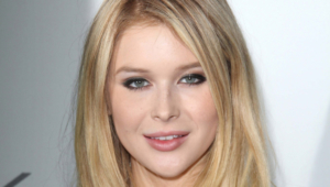 Renee Olstead Background