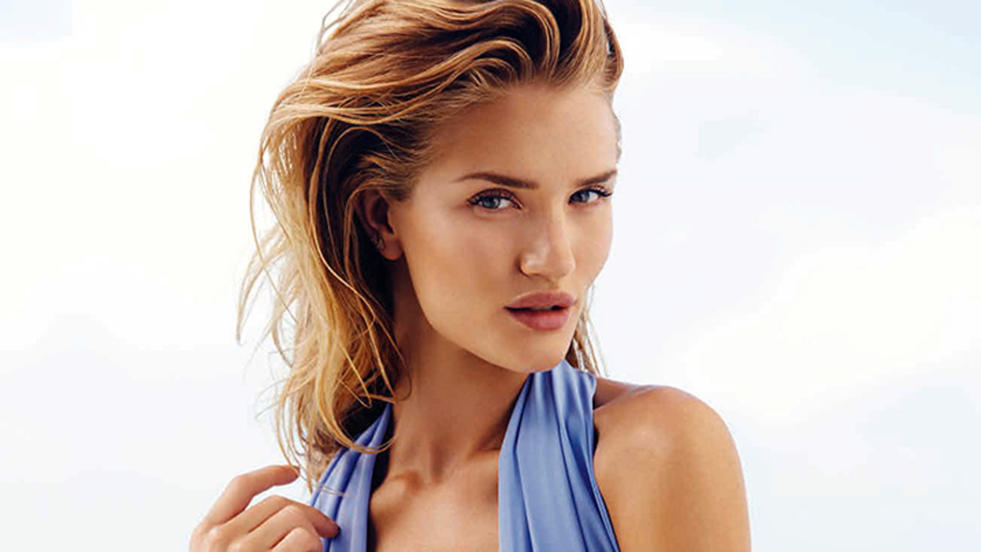 Rosie Huntington-Whiteley Wallpapers Images Photos ... Rosie Huntington Whiteley