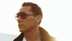 Tiesto Background
