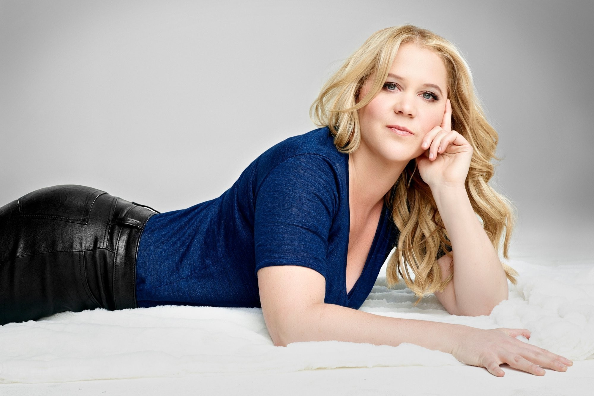 Amy Schumer Wallpapers Images Photos Pictures Backgrounds