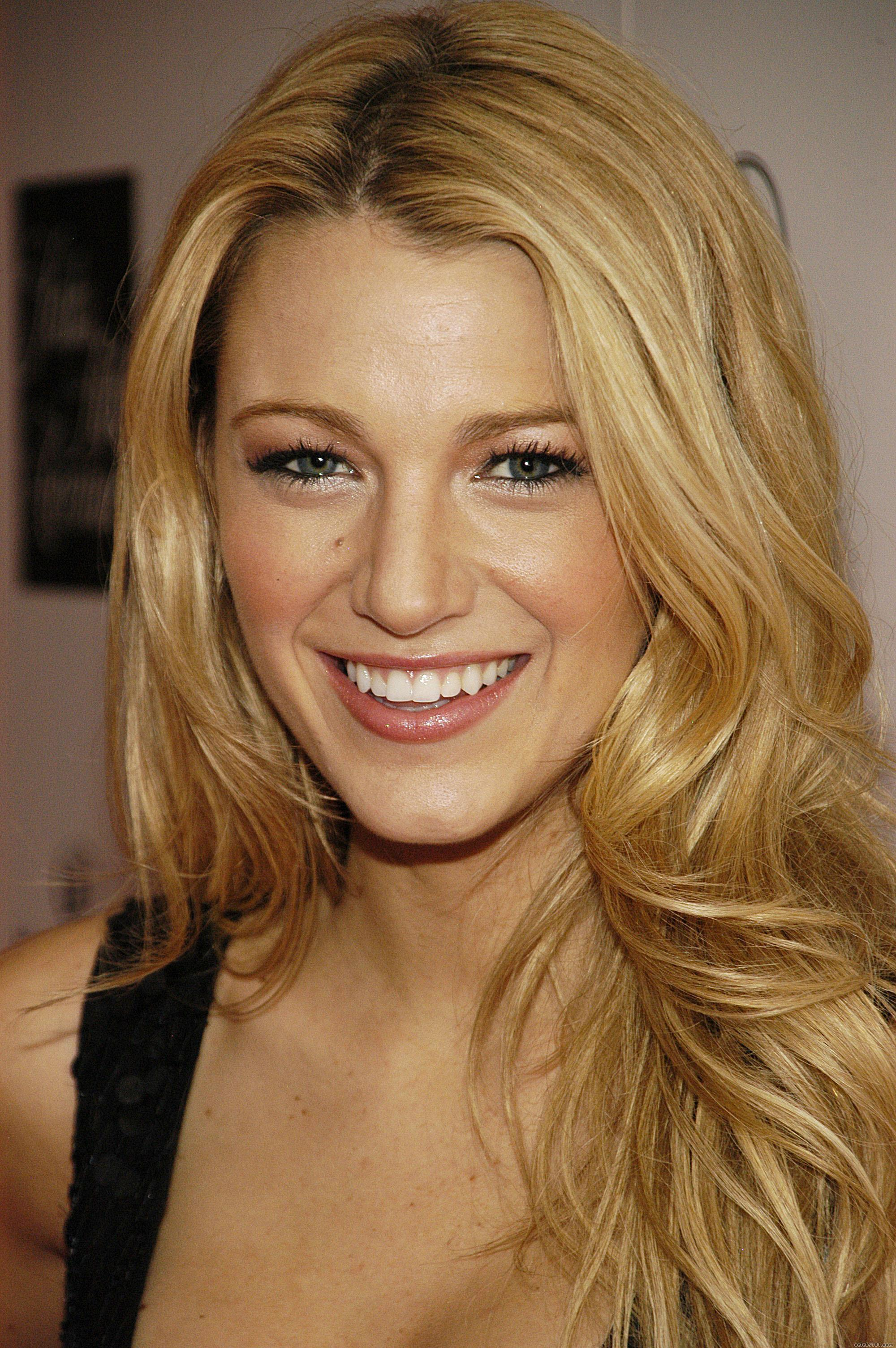 Blake Lively Wallpaper...