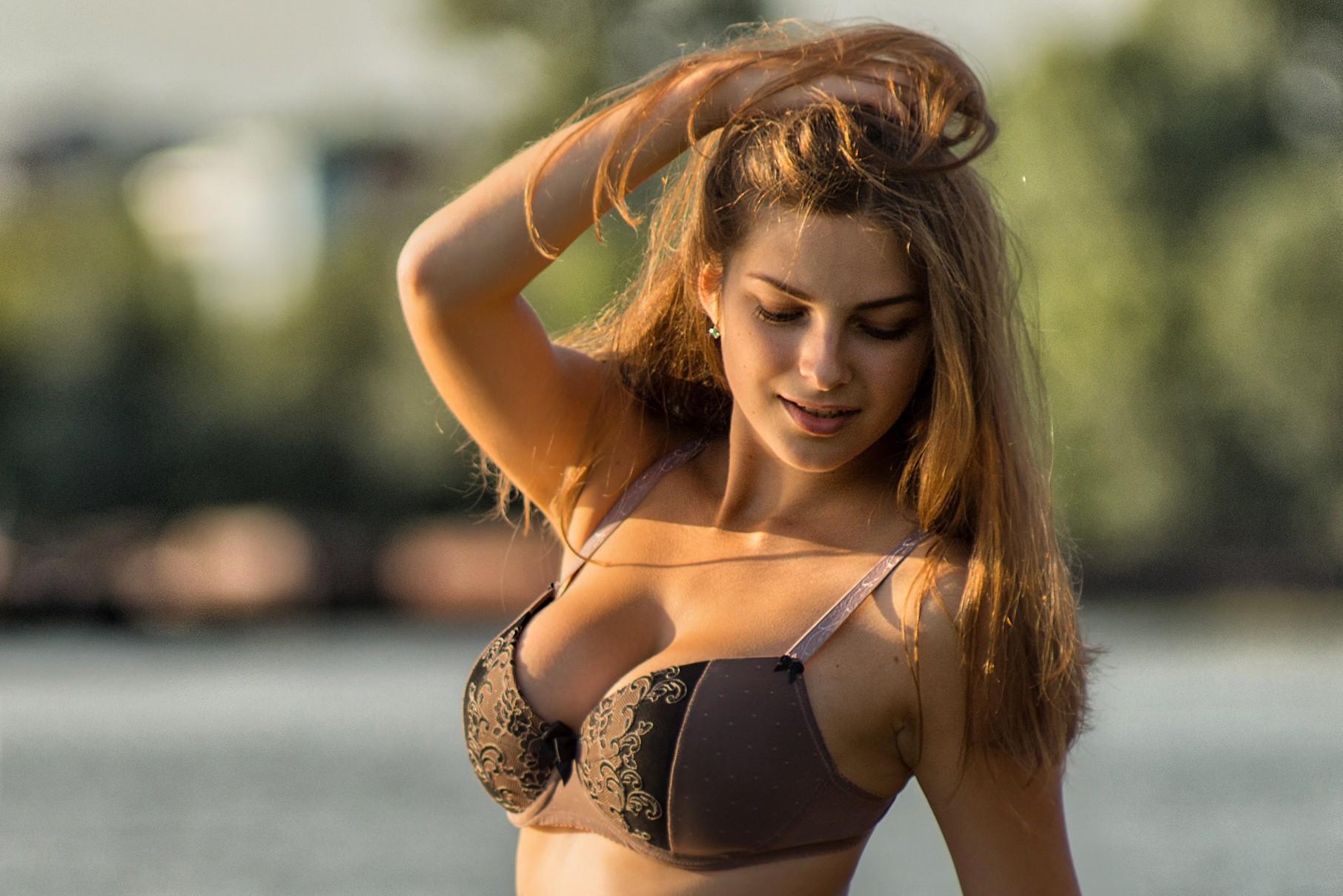 Смотреть груди девушек, Женская красивая грудь (сиськи), смотреть онлайн 4 фотография