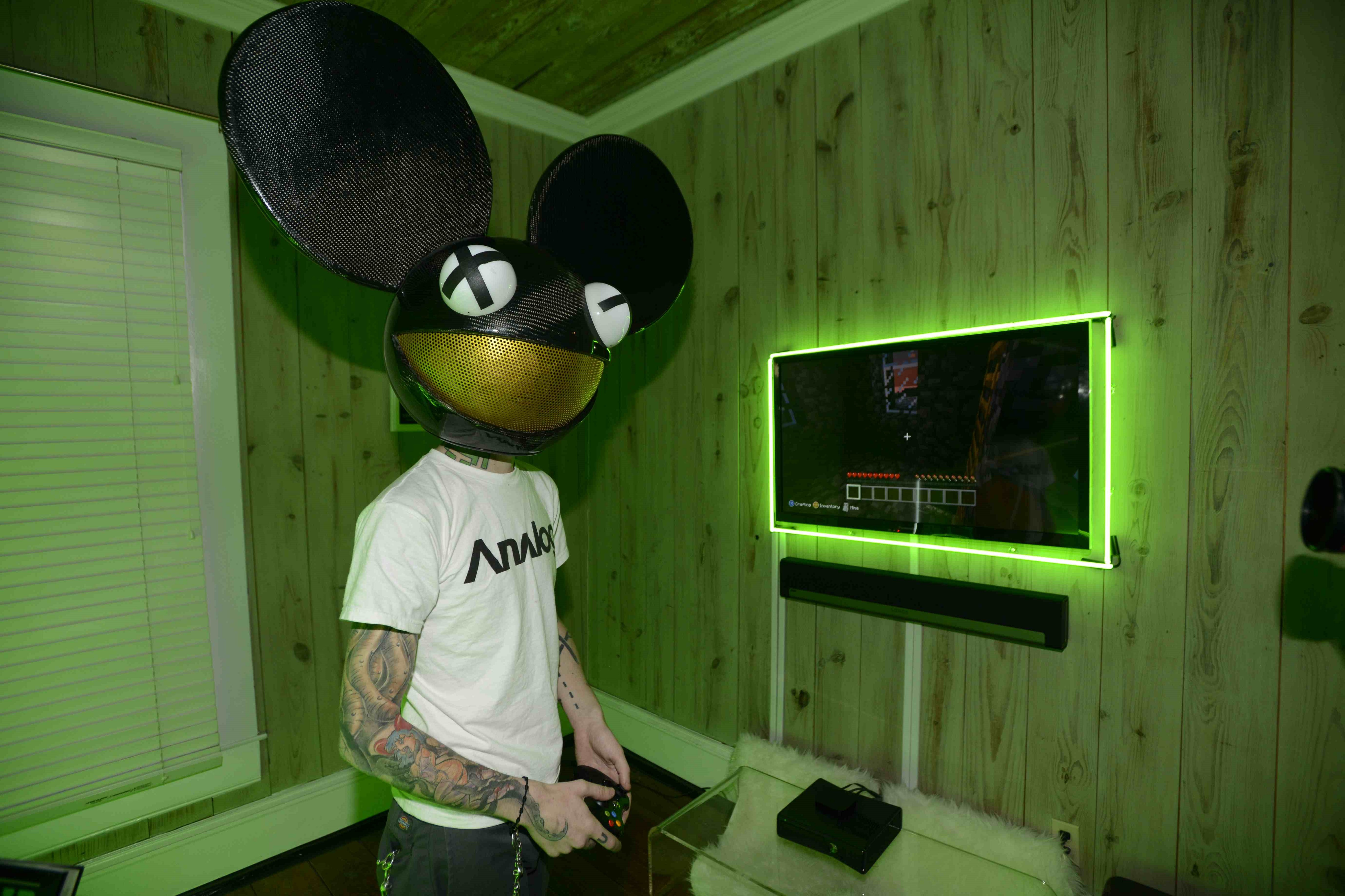 Deadmau5 Widescreen