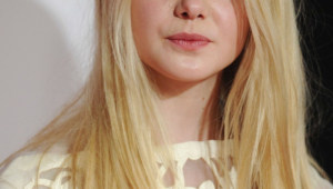 Elle Fanning Iphone Sexy Wallpapers