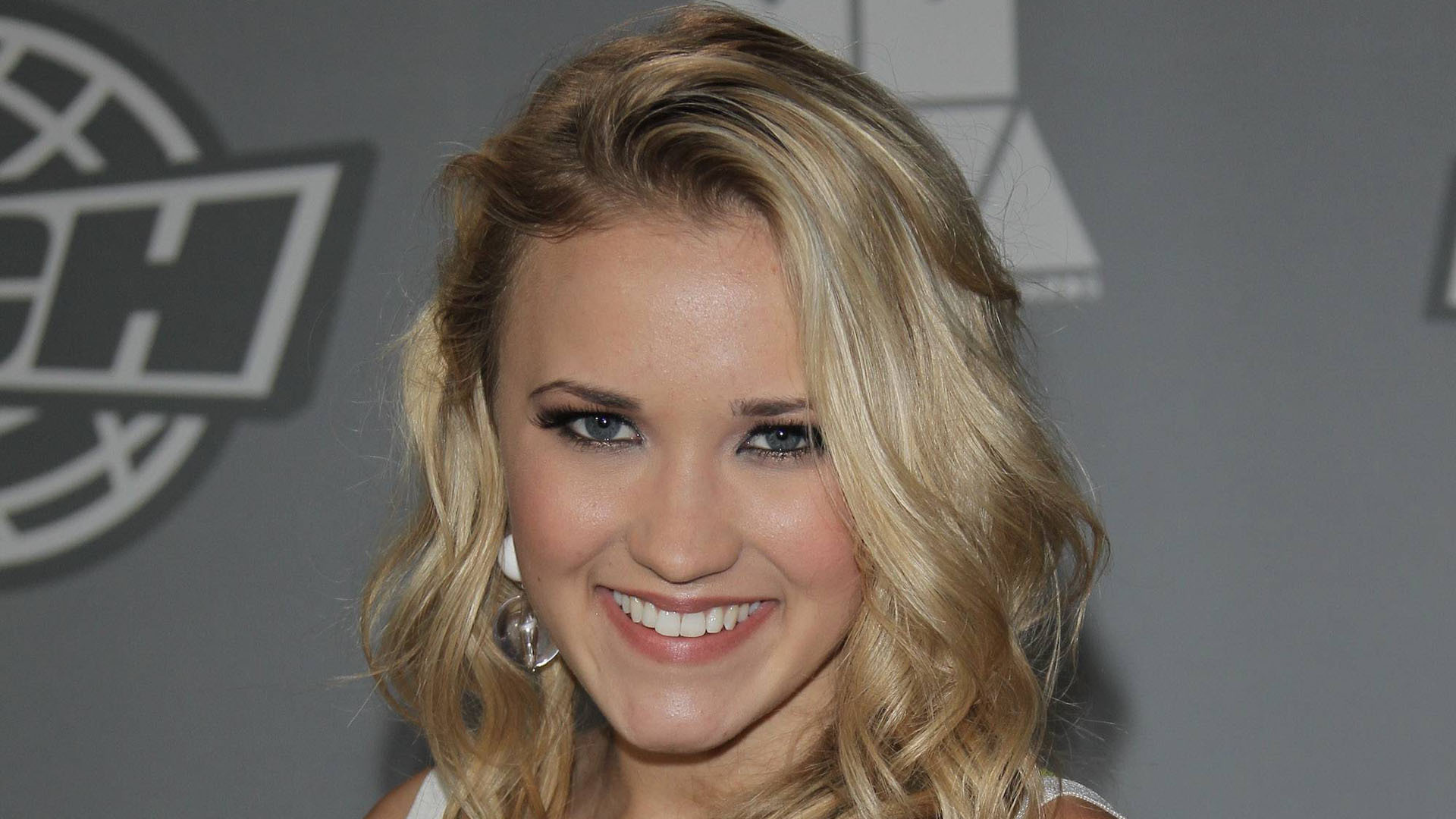 Emily Osment Computer Backgrounds