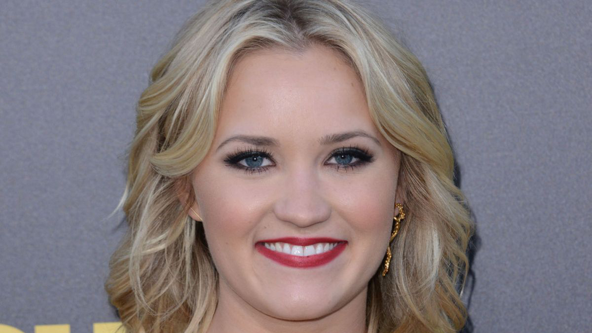 Emily Osment High Definition Wallpapers