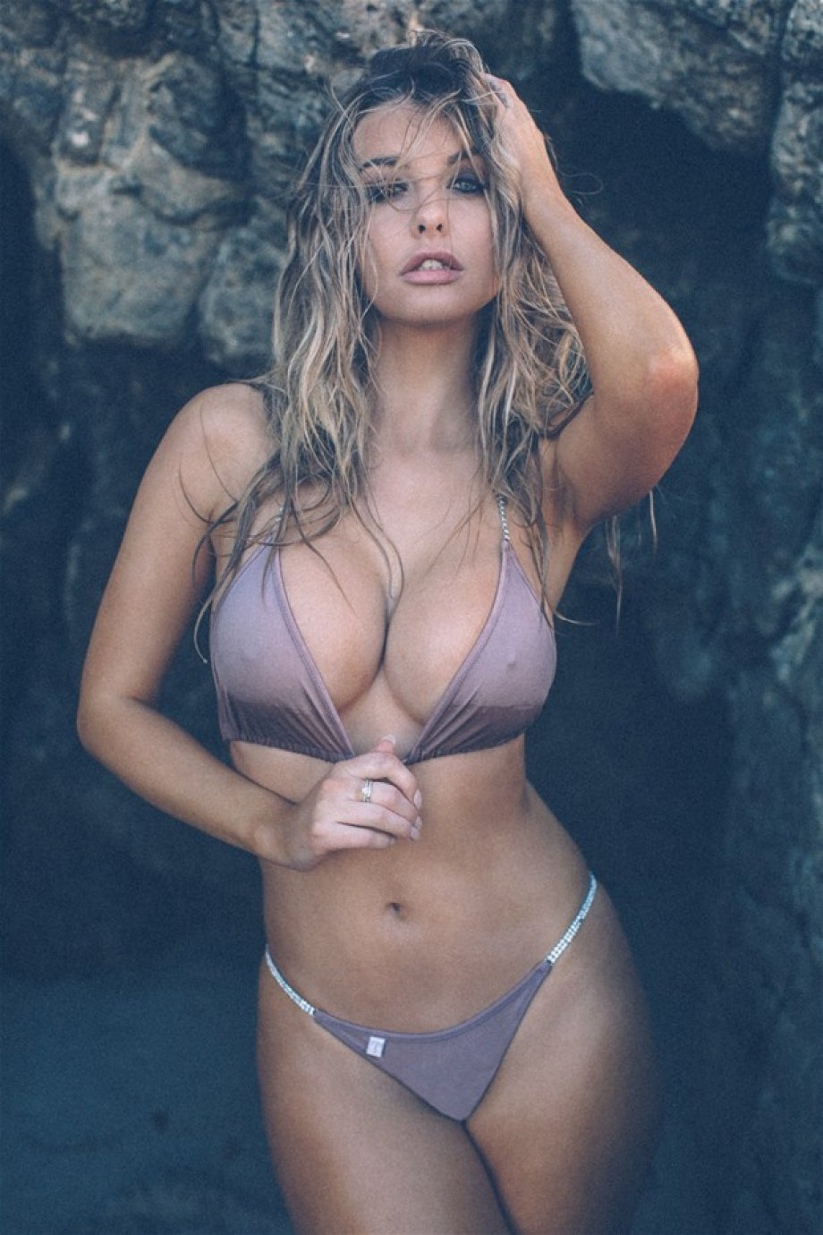 Emily Sears Iphone Sexy Wallpapers