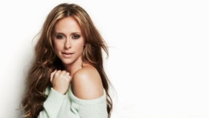 Jennifer Love Hewitt Background