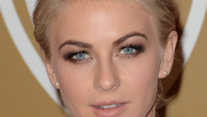 Julianne Hough Hd Iphone