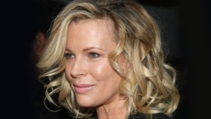 Kim Basinger Hd Background
