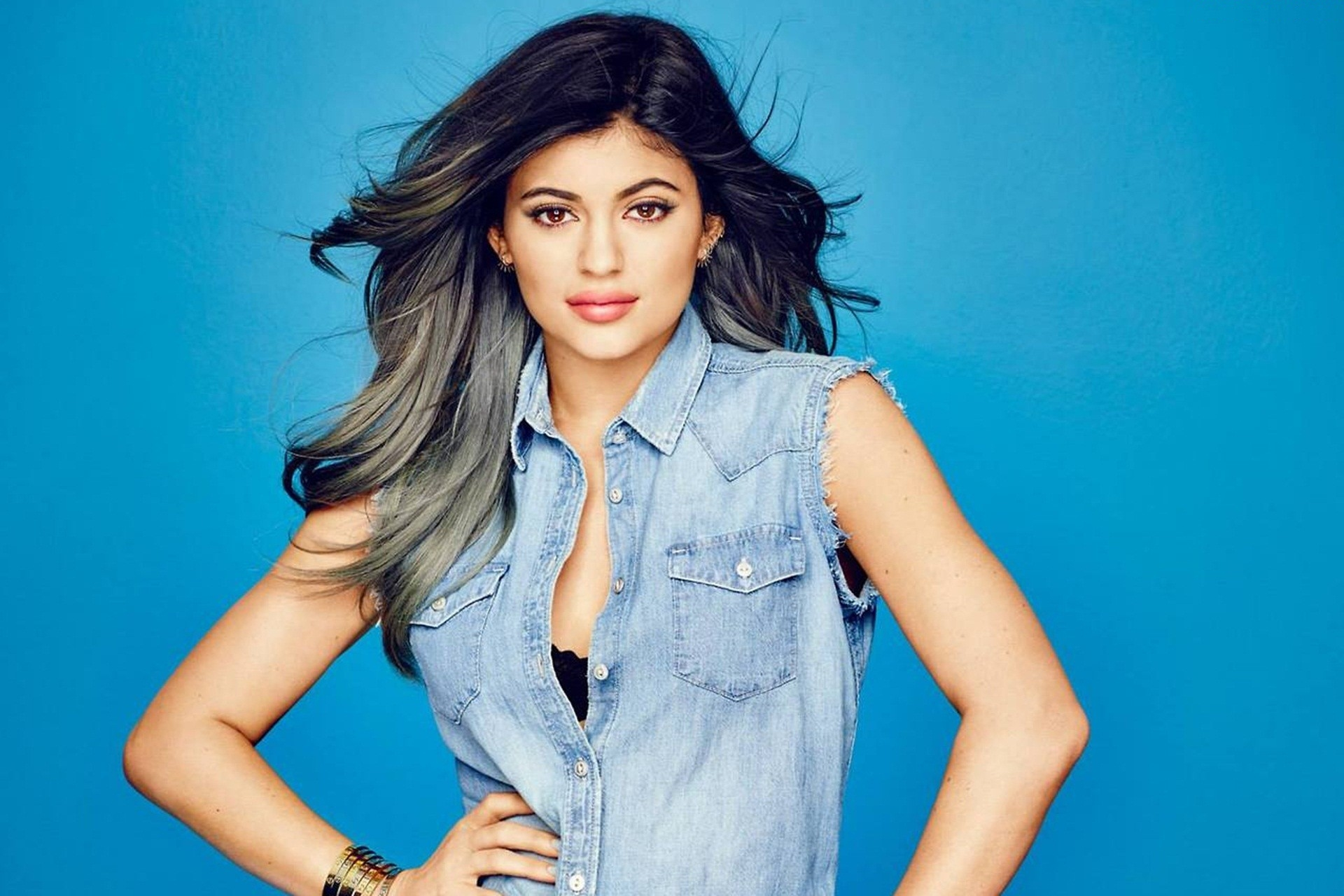 Kylie Jenner Wallpapers Images Photos Pictures Backgrounds
