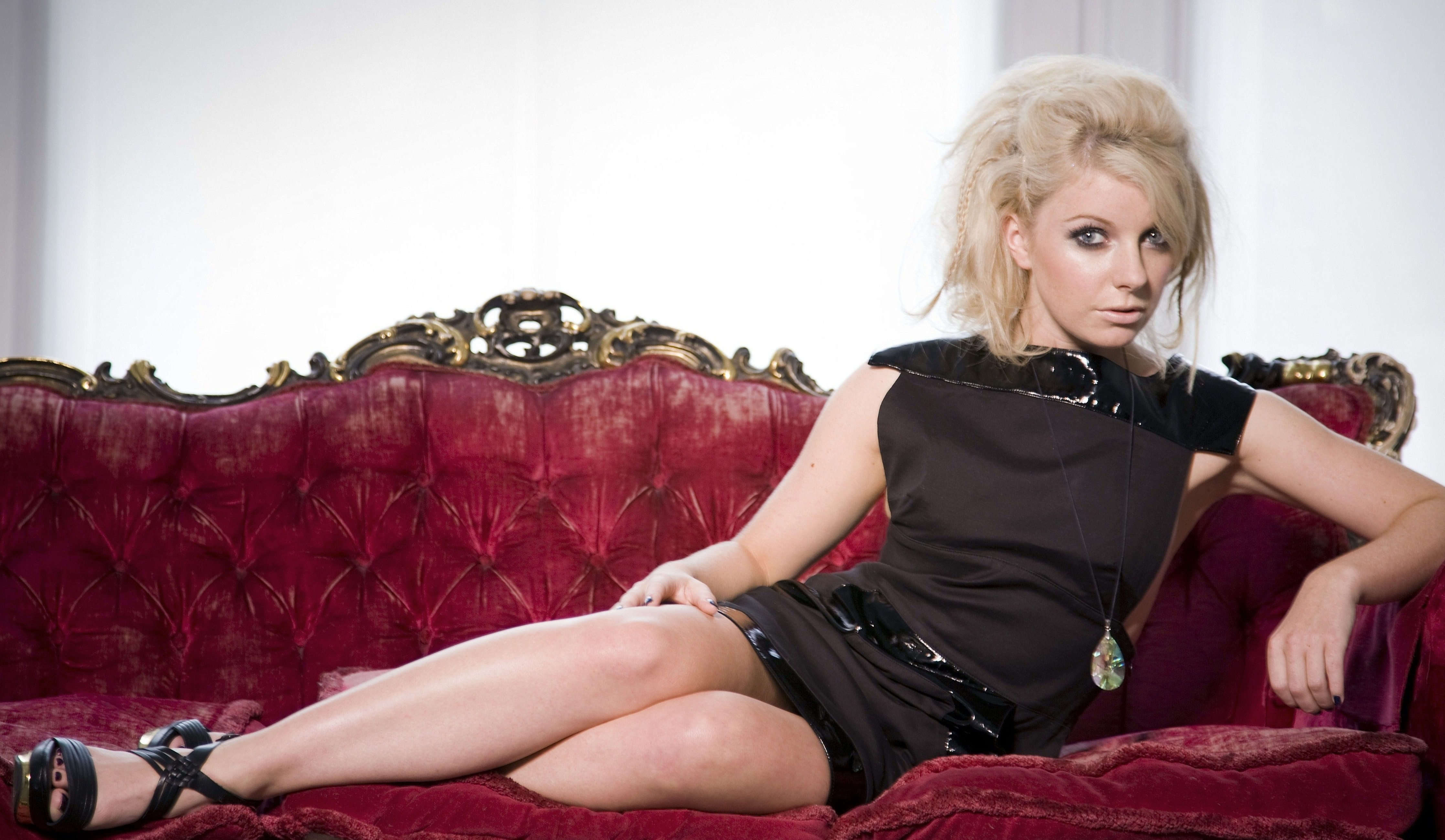 little boots wallpapers images photos pictures backgrounds