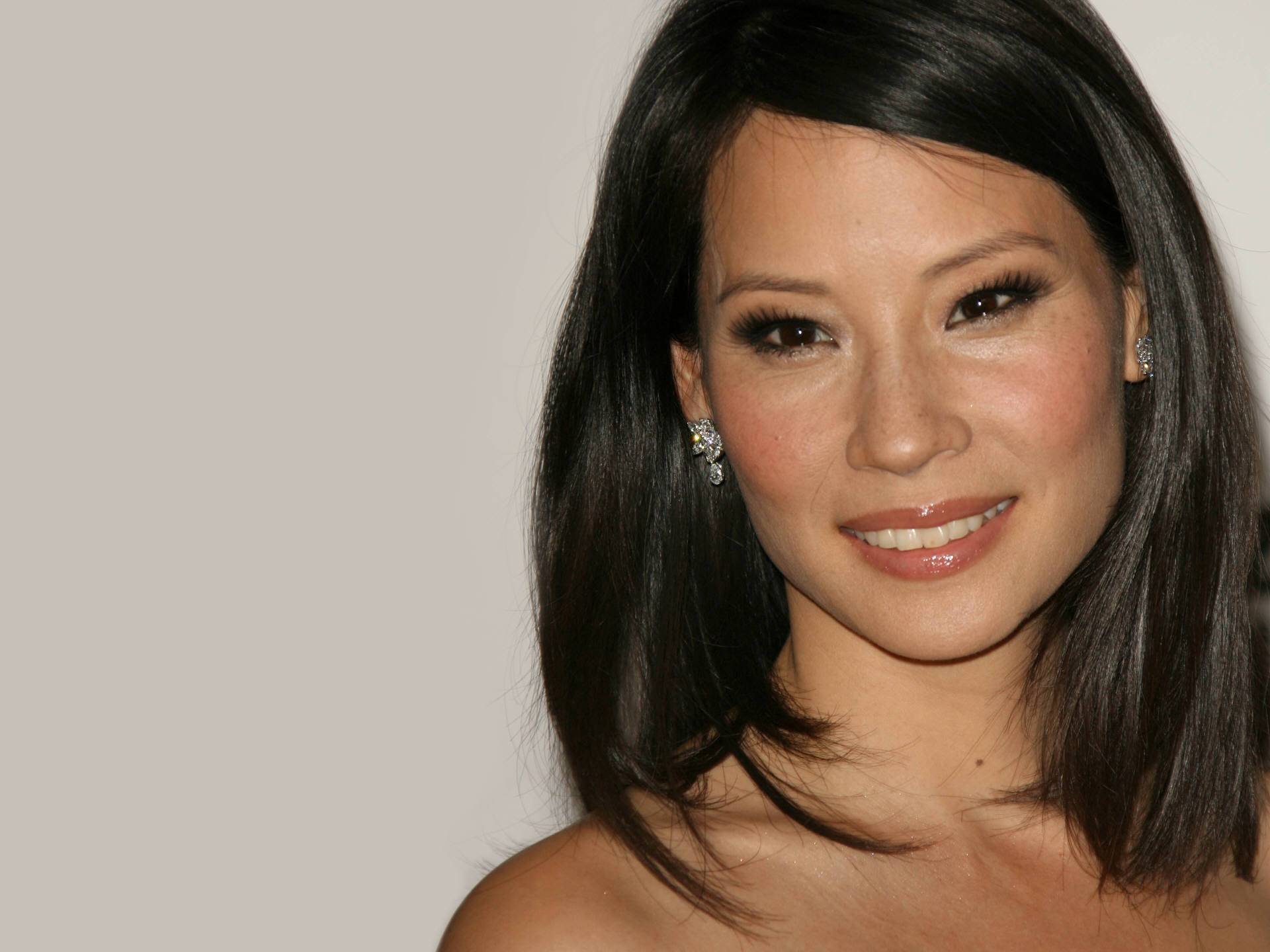 Lucy Liu Wallpapers Images Photos Pictures Backgrounds