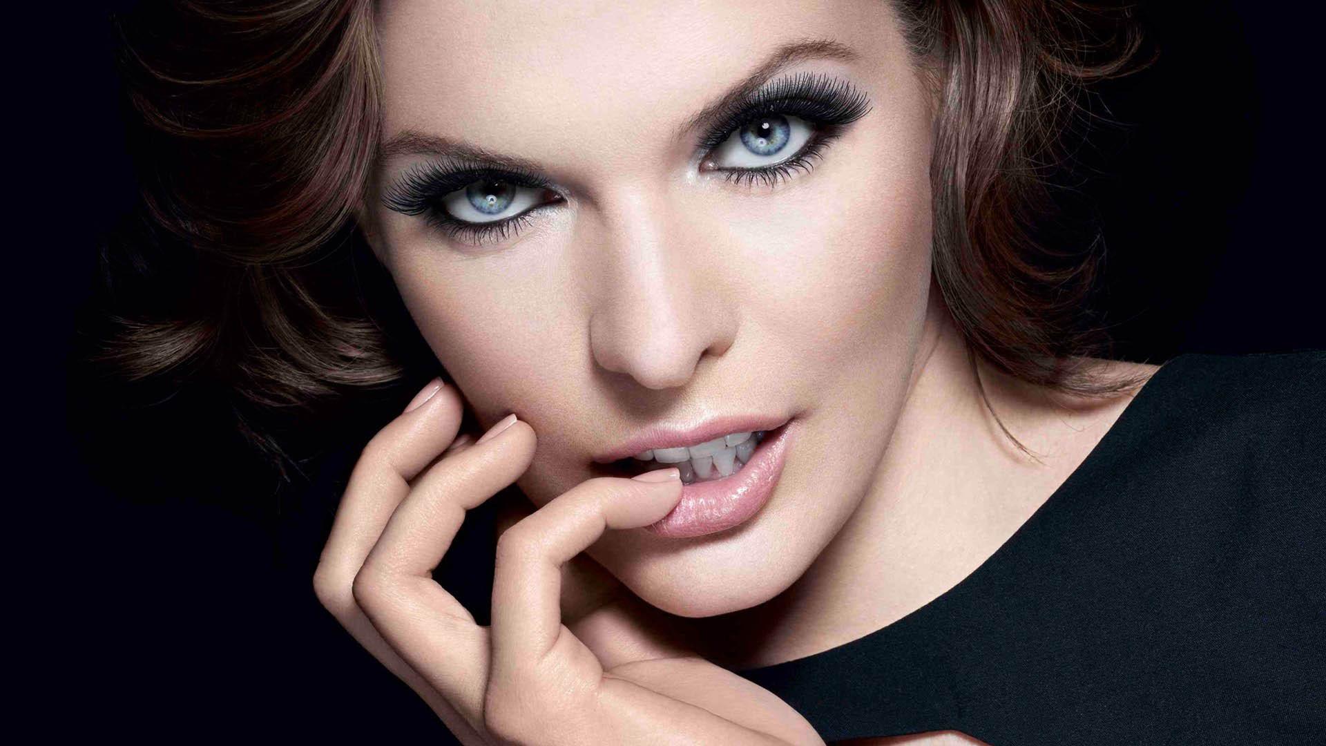 Milla Jovovich Makeup