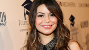 Miranda Cosgrove Sexy Wallpapers