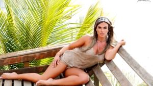 Nicole Bahls Sexy Photos