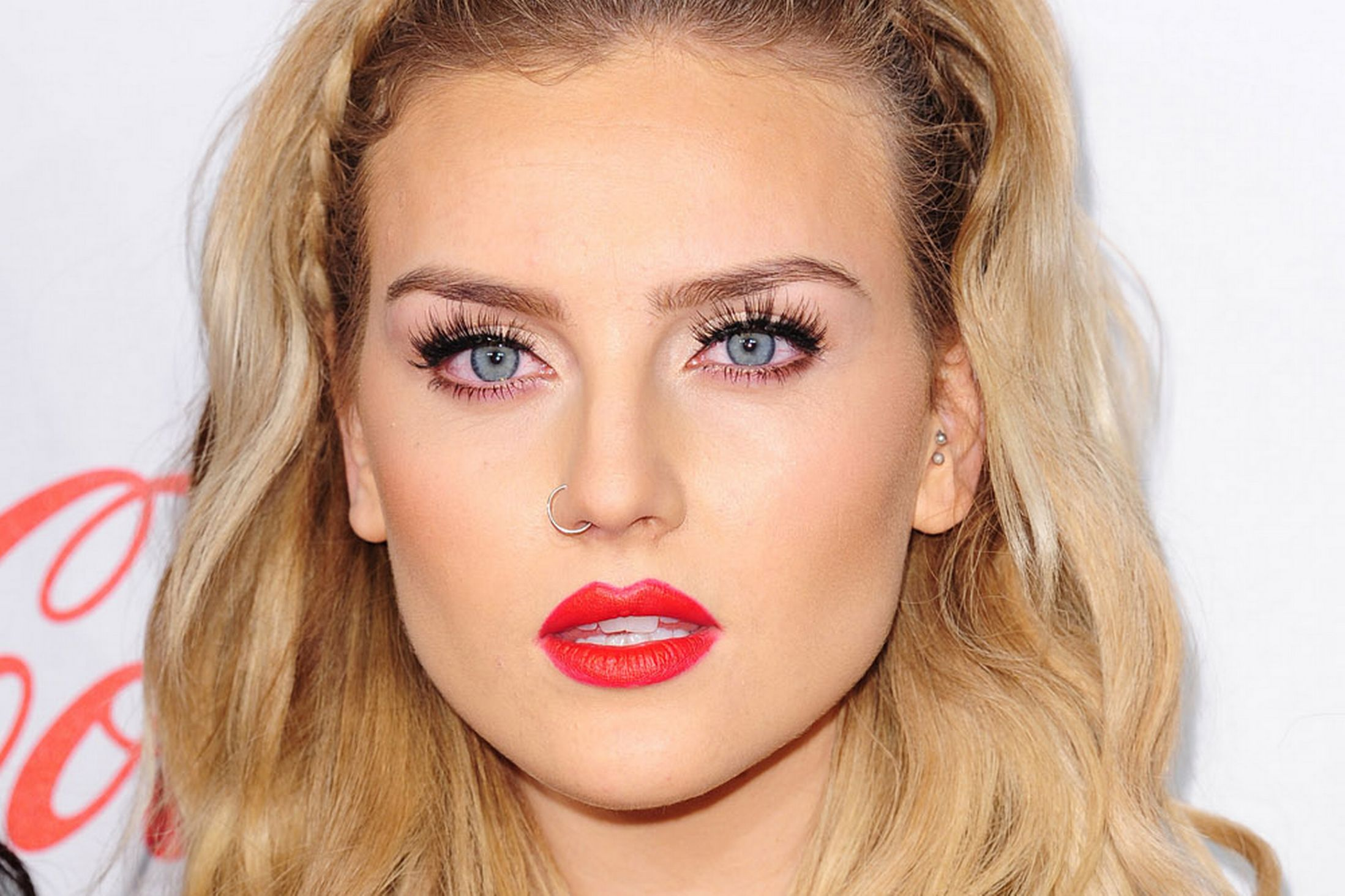 Perrie Edwards Wallpapers Images Photos Pictures Backgrounds
