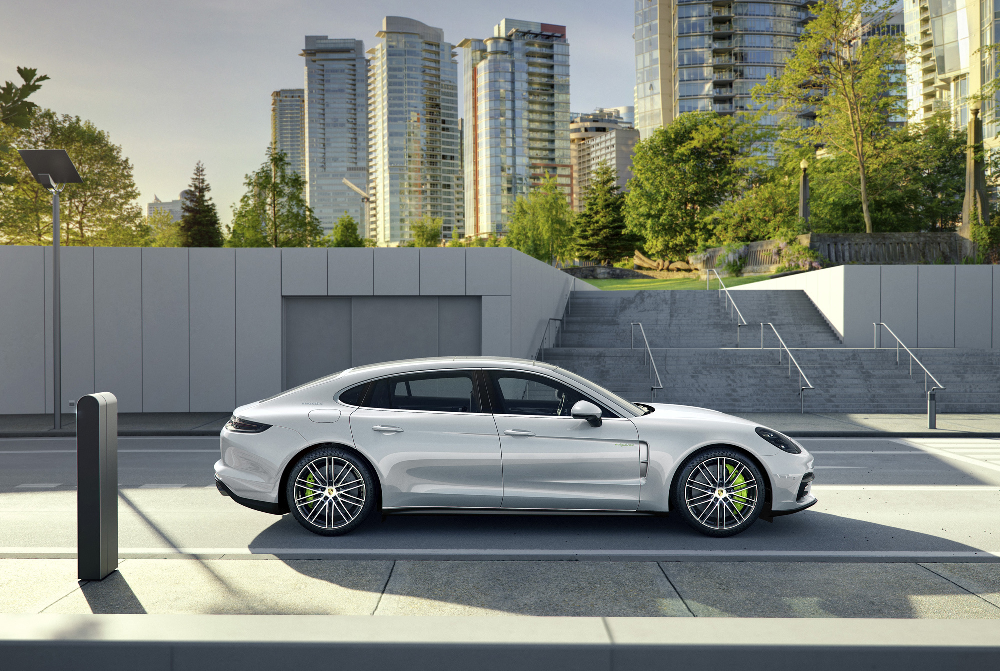 Porsche Panamera Executive Images