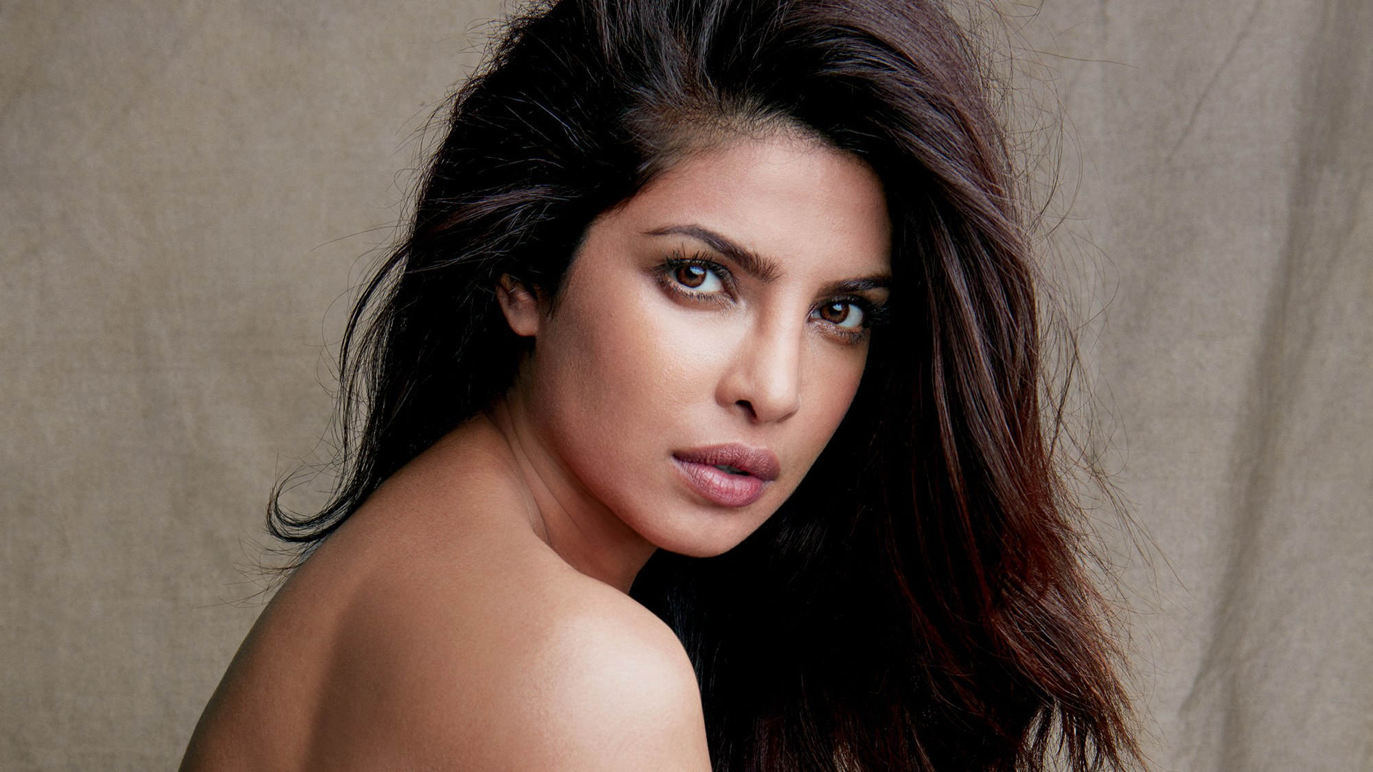 Priyanka Chopra Wallpapers Images Photos Pictures Backgrounds