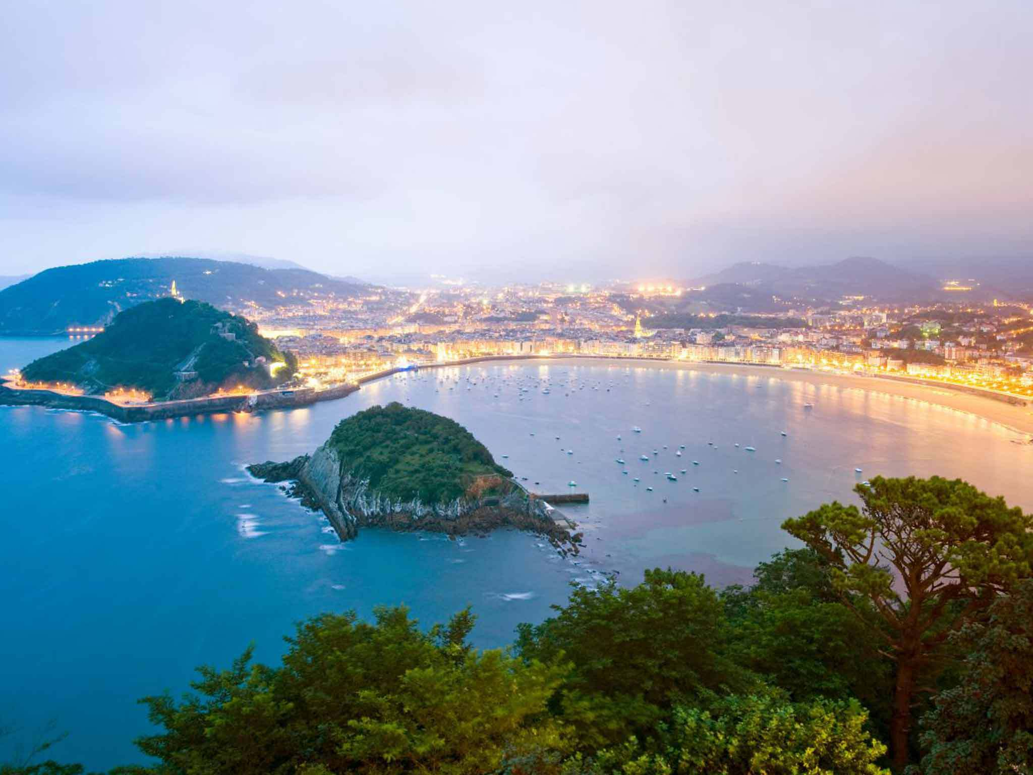 San Sebastian Wallpapers Images Photos Pictures Backgrounds