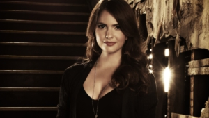 Shelley Hennig Photos