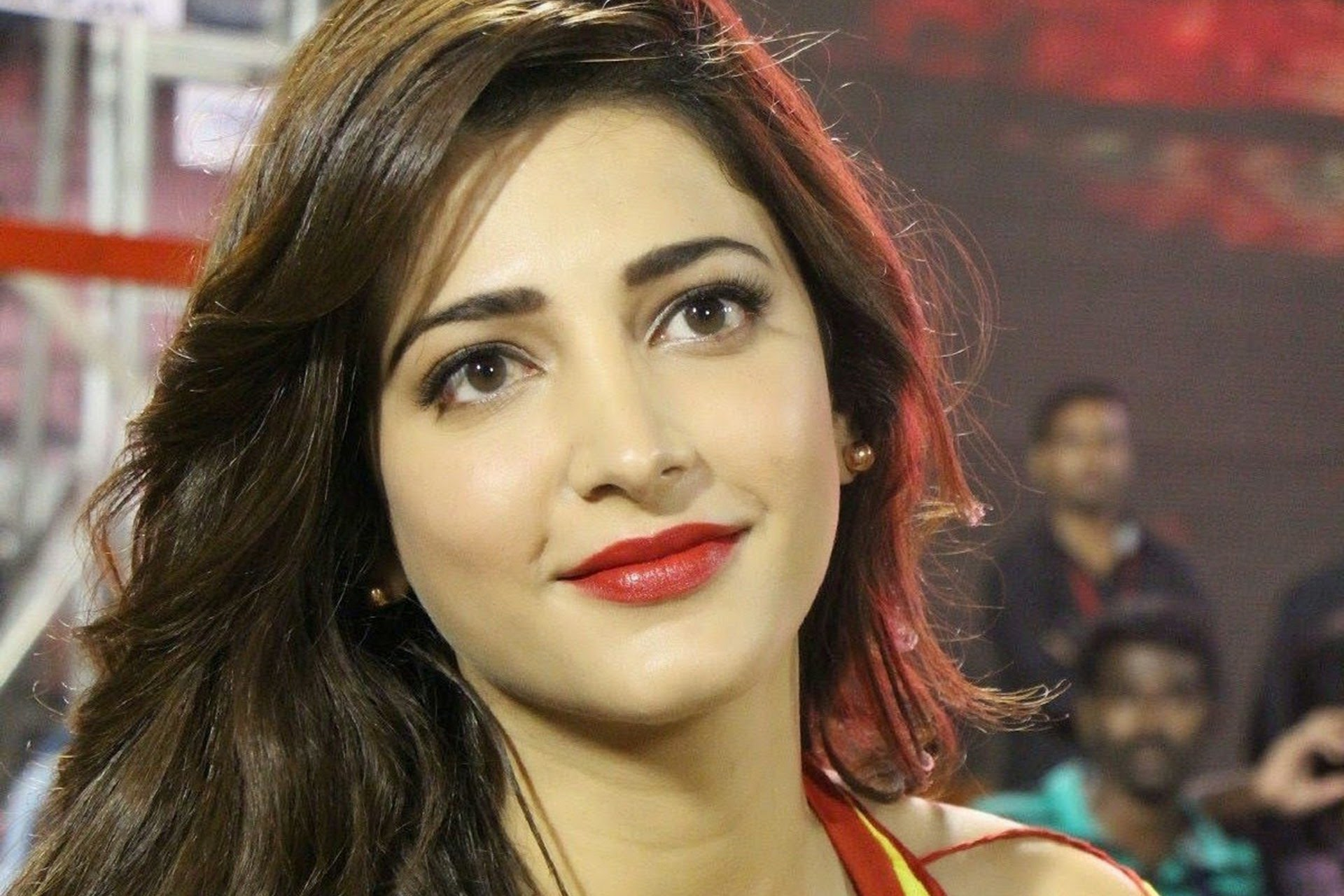 Shruti Hassan Wallpapers Images Photos Pictures Backgrounds
