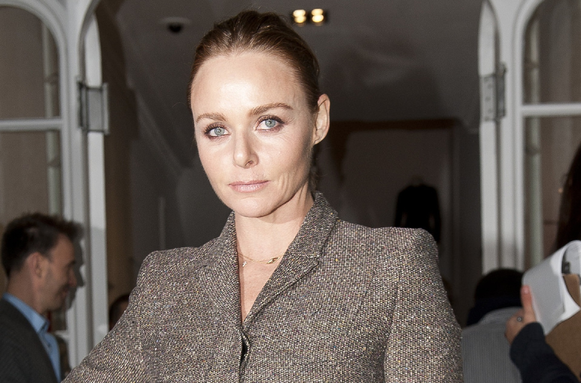 stella mc cartney Stella mccartney is an ethical fashion powerhouse, mixing sportswear and feminine elegance in her designs shop the latest stella mccartney range of bags, clothing and accessories, from the designer department at harvey nichols today.