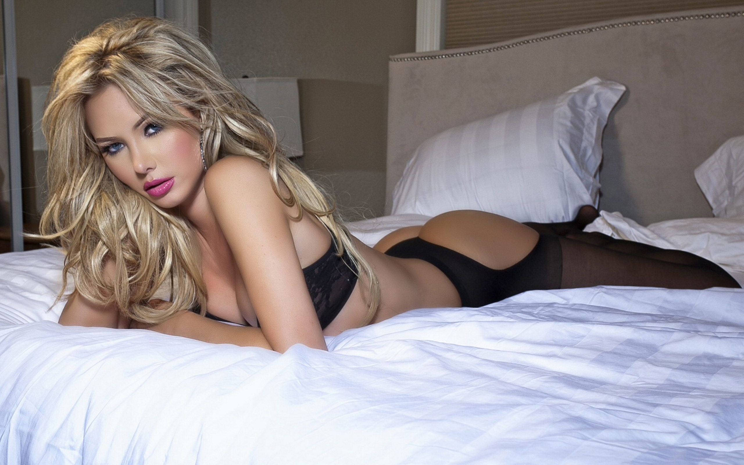 Tiffany Toth Widescreen