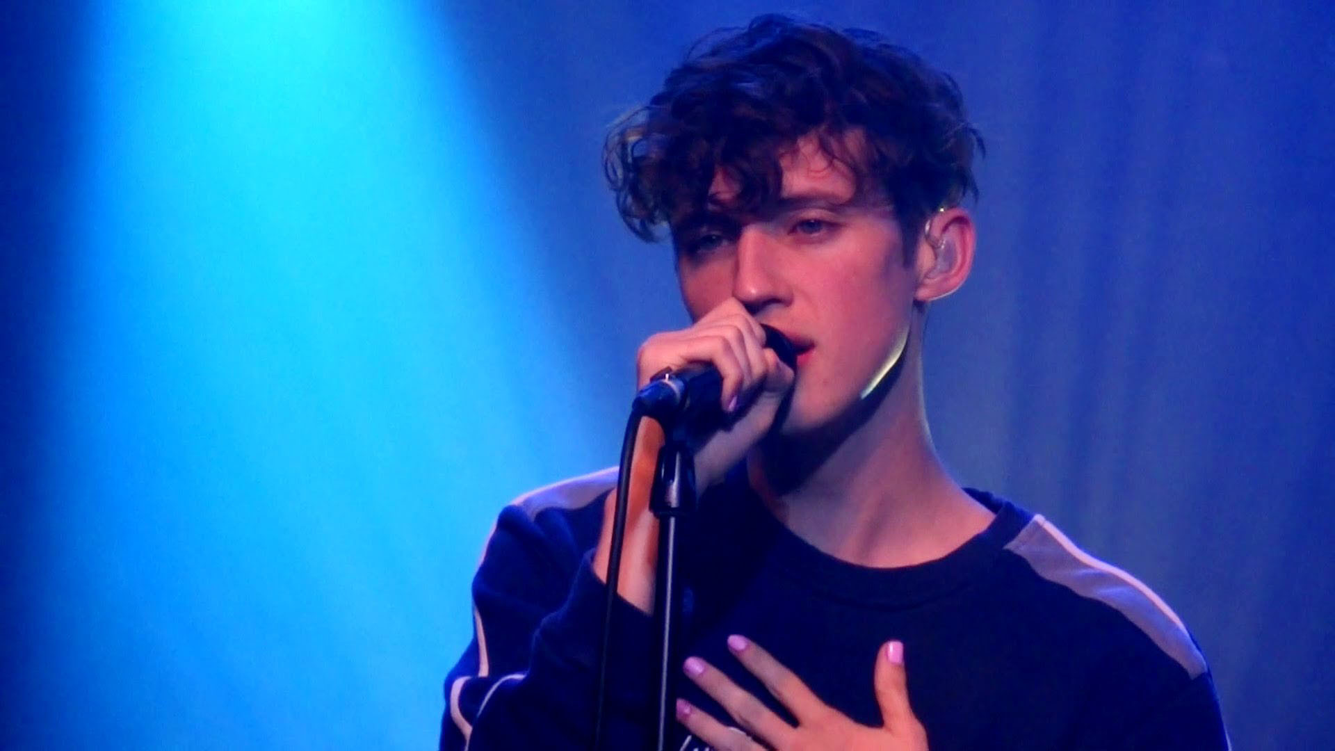 troye sivan widescreen