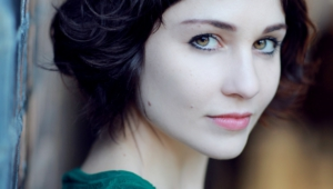 Tuppence Middleton Desktop For Iphone