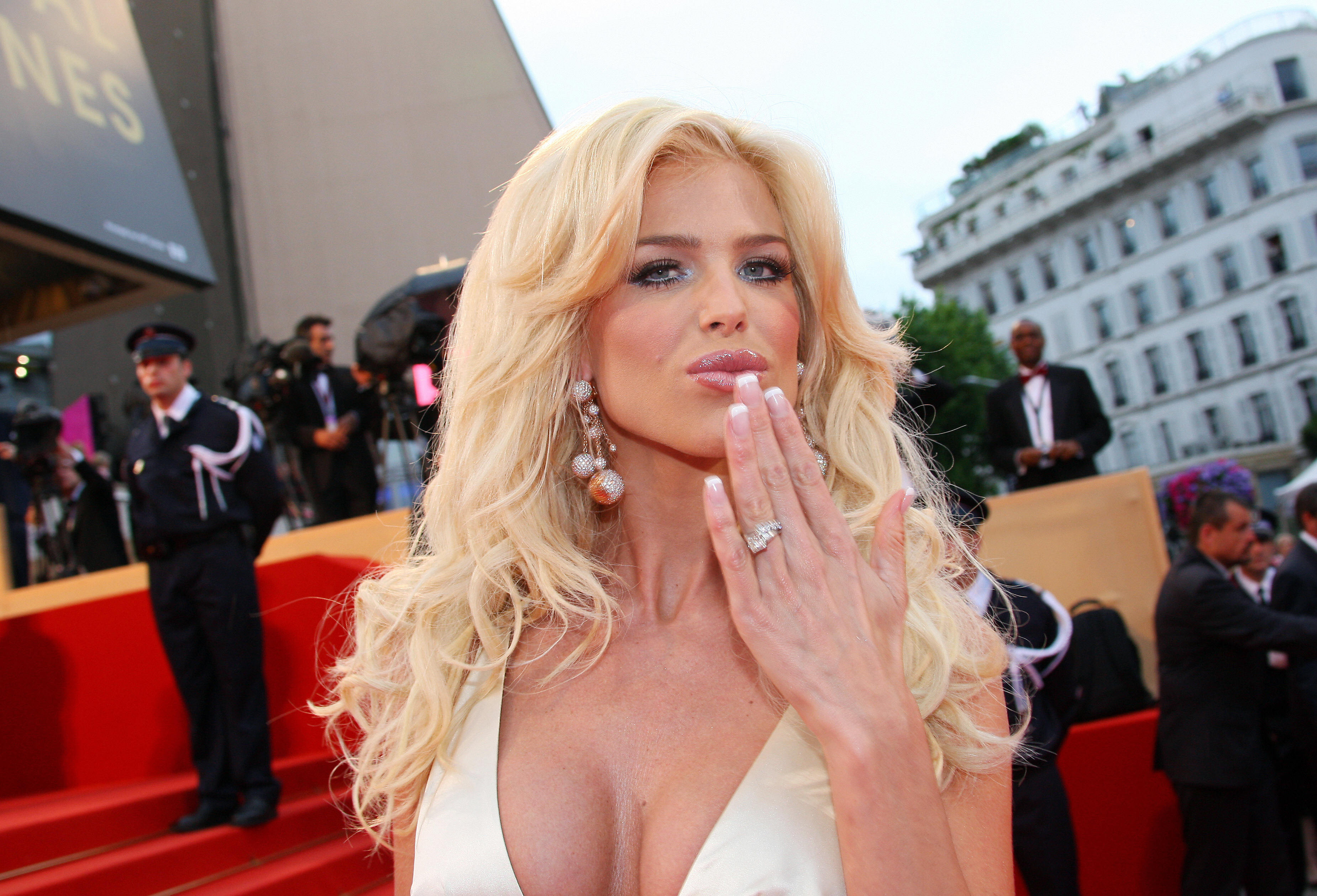 Victoria Silvstedt Hd Wallpaper