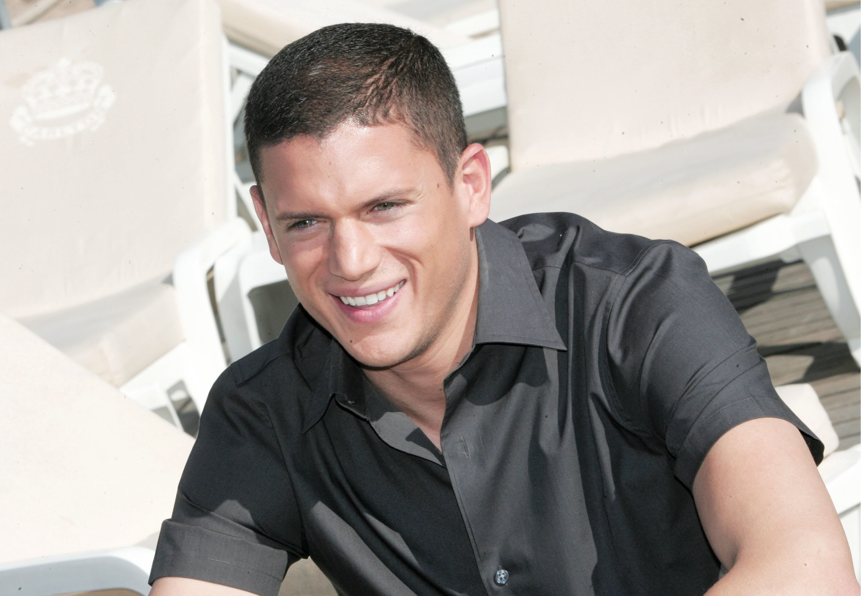 Wentworth Miller Wallpapers Images Photos Pictures Backgrounds