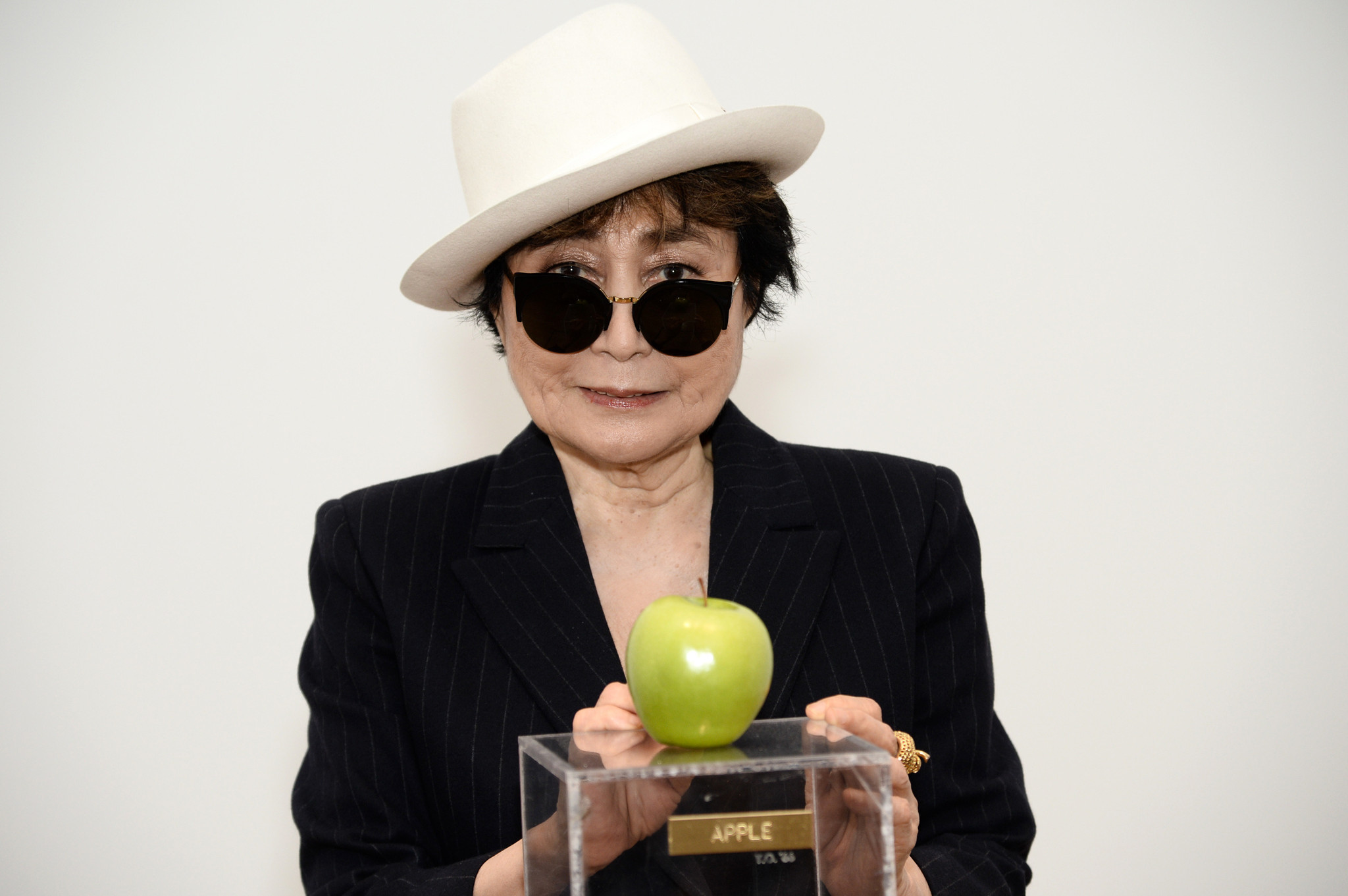 Desk For Computer Yoko Ono Wallpapers Images Photos Pictures Backgrounds