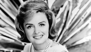 Donna Reed Wallpaper