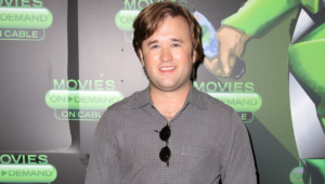 Haley Joel Osment Background