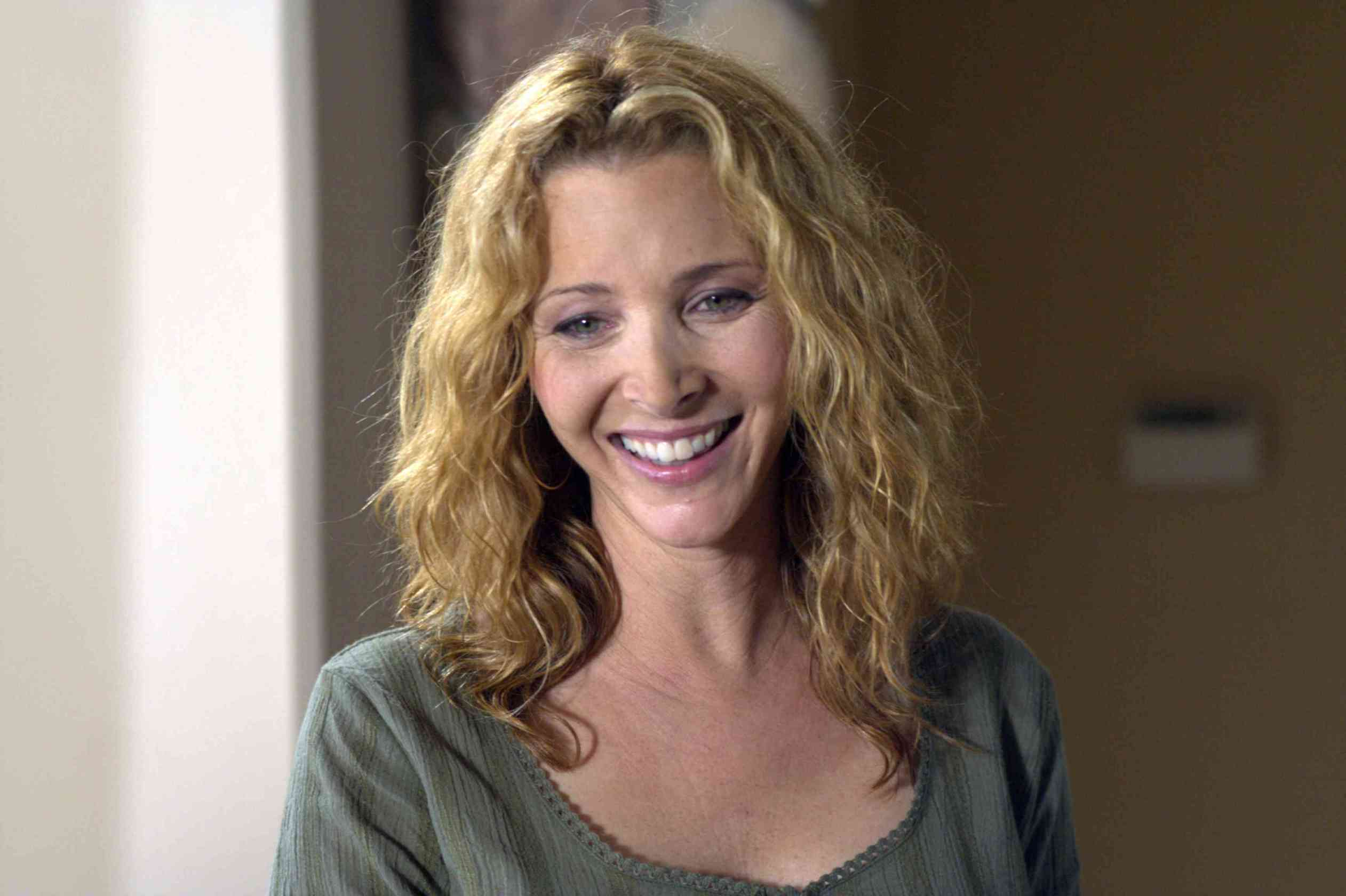 Lisa Kudrow Wallpapers Images Photos Pictures Backgrounds Emmy Rossum Wallpaper