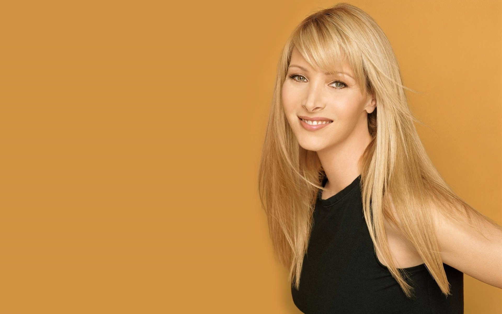 Lisa Kudrow Wallpapers...