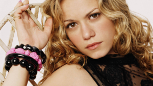 Bethany Joy Galeotti Pictures