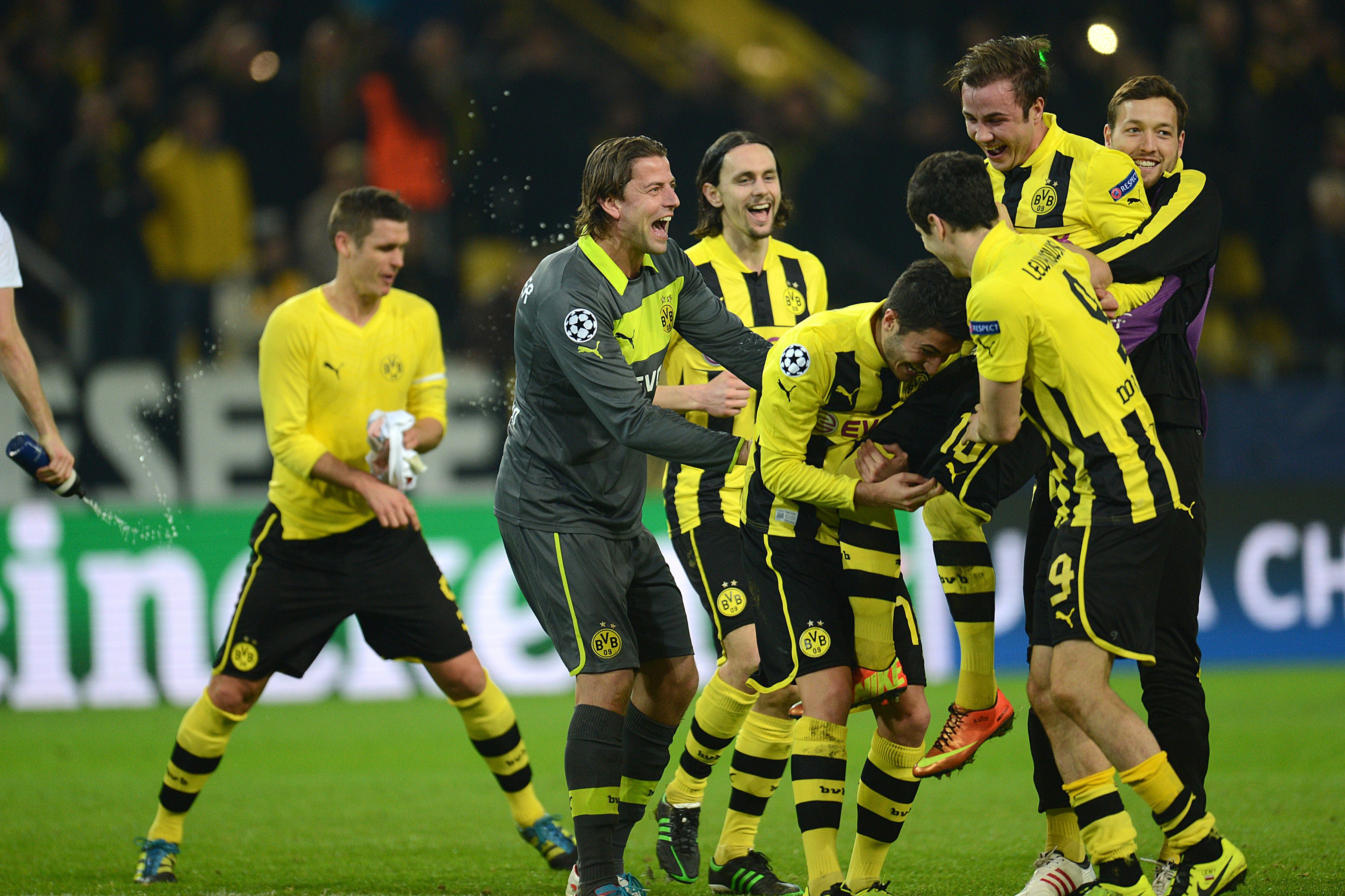 Borussia Dortmund Wallpapers Images Photos Pictures ...