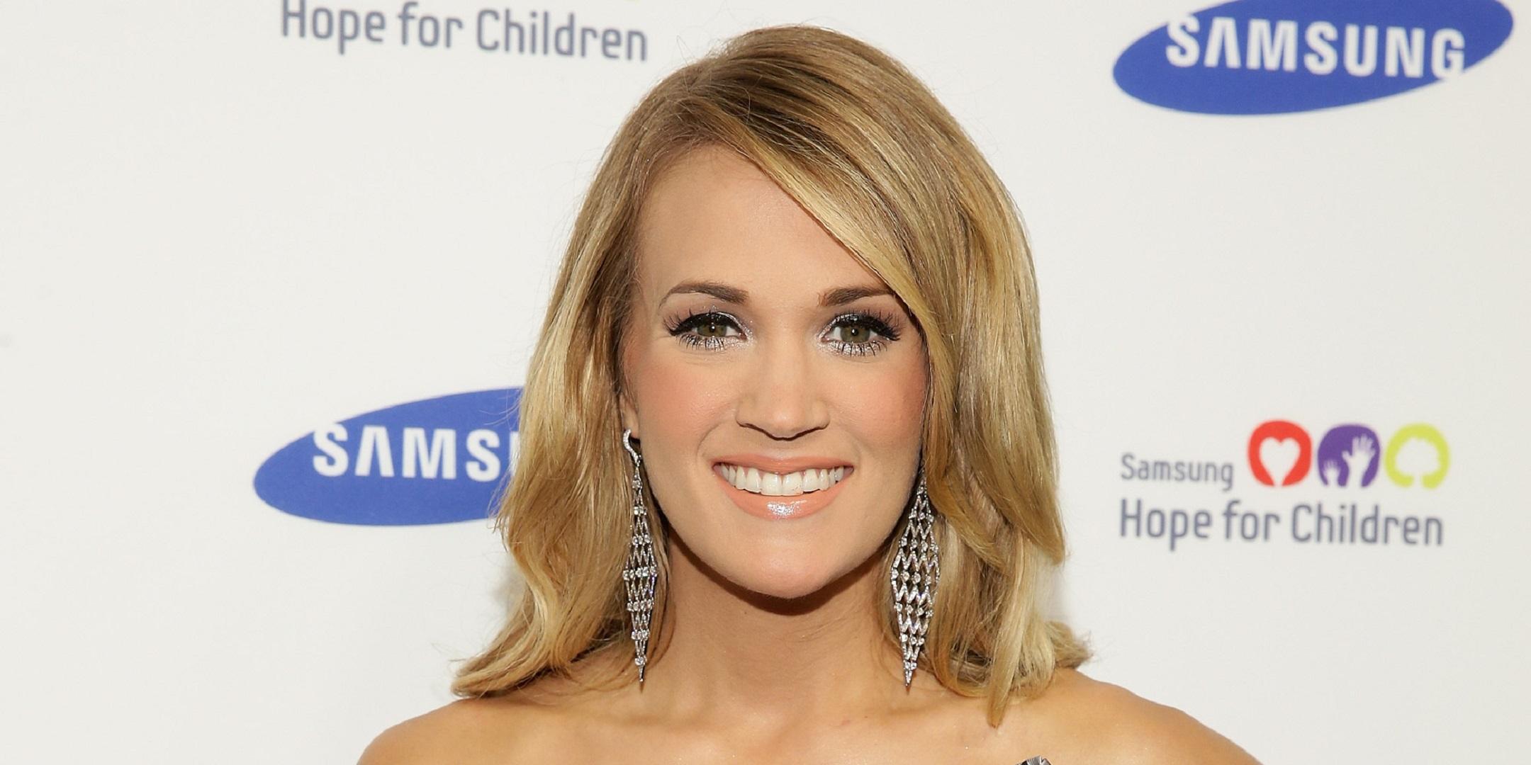 Carrie Underwood For Desktop Background