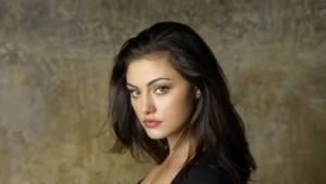 Daily Phoebe Tonkin Wallpapers