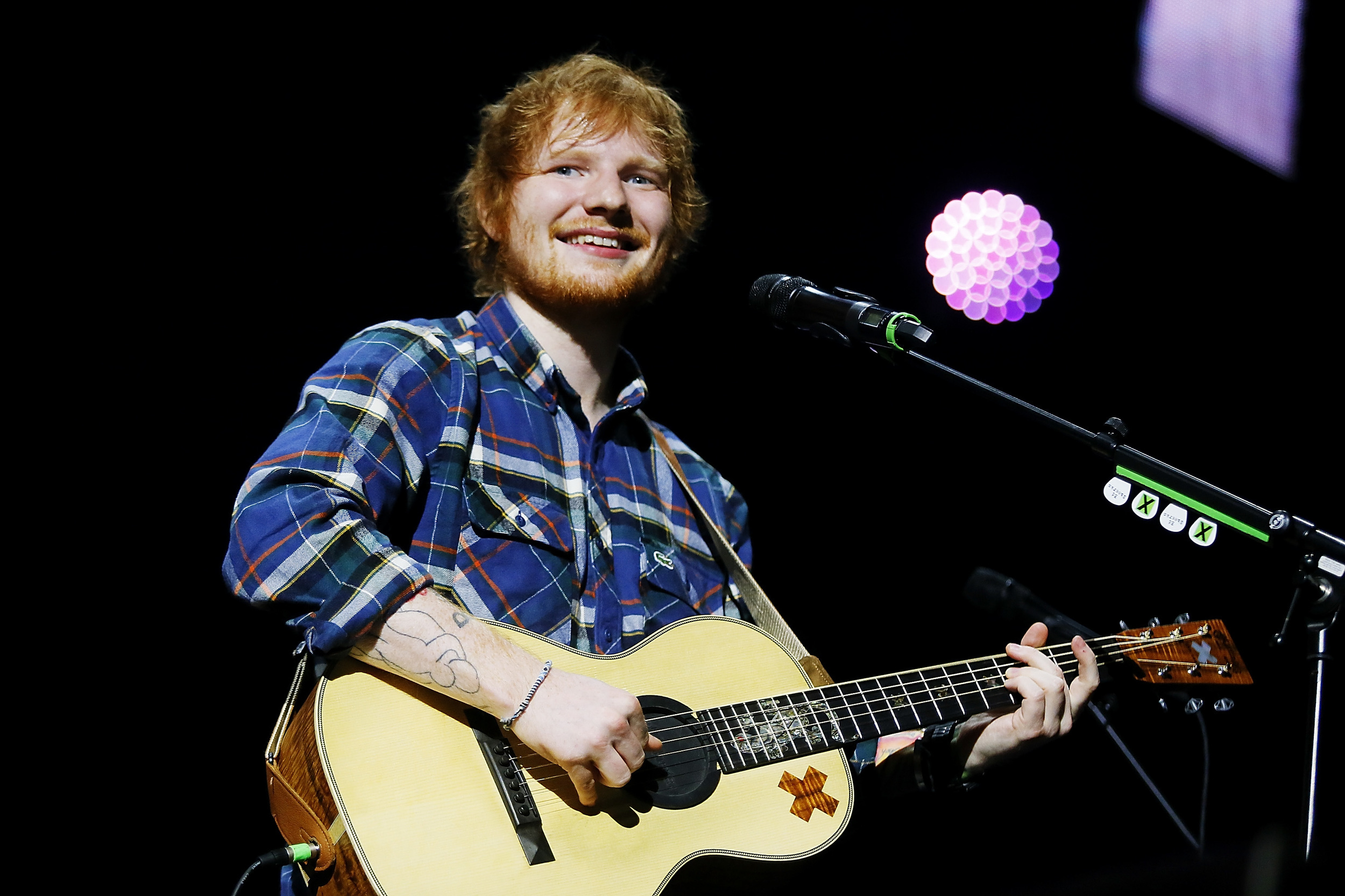 Ed Sheeran Wallpapers Images Photos Pictures Backgrounds