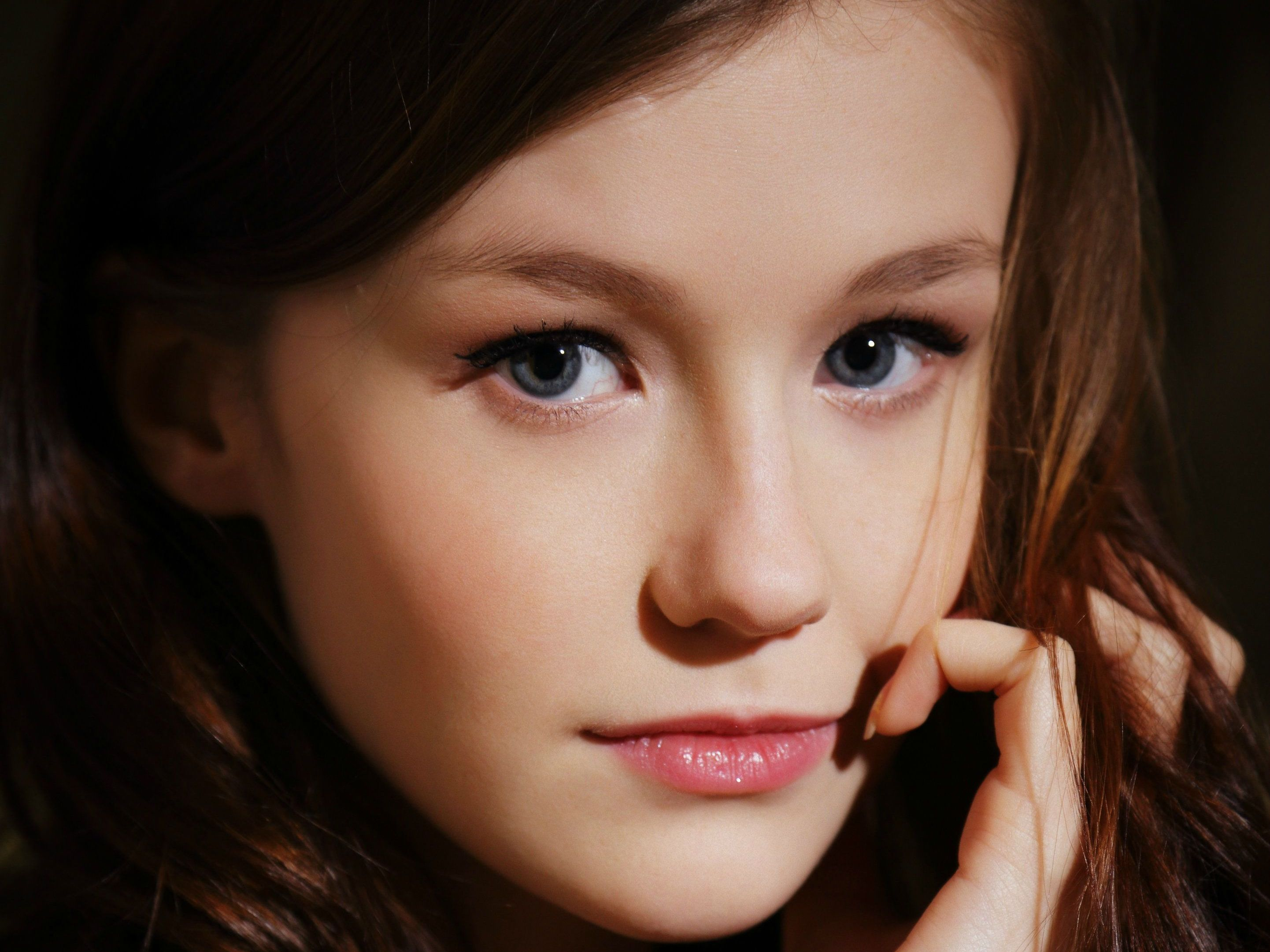 Emily Bloom Wallpapers Images Photos Pictures Backgrounds