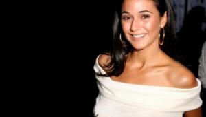Emmanuelle Chriqui Widescreen
