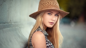 Eva Mikulski High Quality Wallpapers