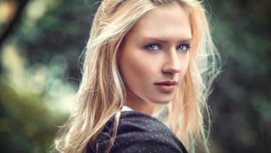 Eva Mikulski Wallpapers