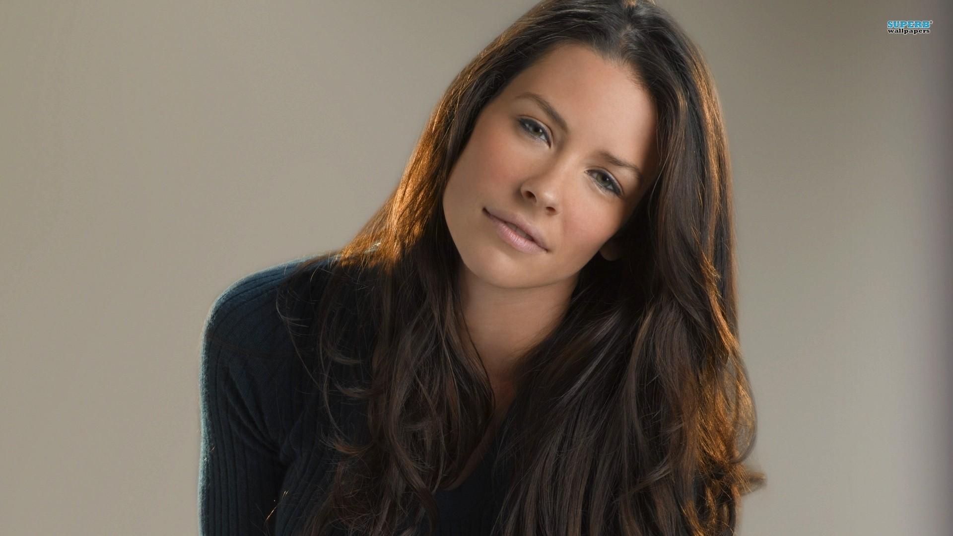 Evangeline Lilly Photos
