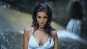 Gina Carla Hot