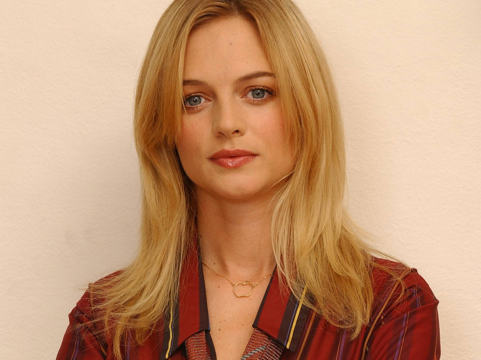 heather graham wallpapers images photos pictures backgrounds