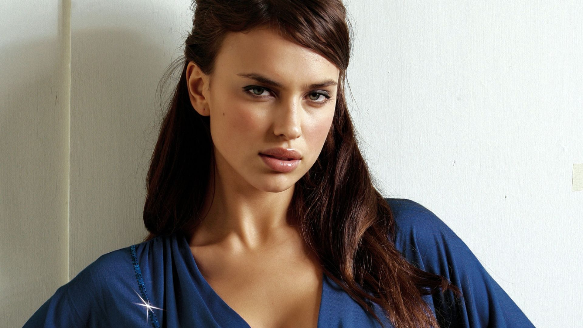 Irina Shayk Wallpapers Images Photos Pictures Backgrounds